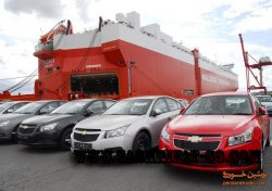 سودهای میلیونی واردات خودروهای خاص به جیب چه کسانی می رود؟