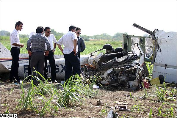 سقوط هواپیمای آموزشی در قزوین (عکس)