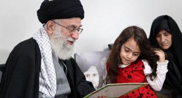 فیلم: آرمیتا مثل پری ؛ مستندی دیدنی از حضور رهبرانقلاب در منزل شهید رضایینژاد