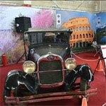 خودروهای تاریخی بهنمایش درمیآید
