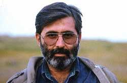 کتاب مجموعه یادداشت های شهید آوینی منتشر میشود