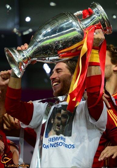 62859544775859951471 جشن قهرمانی اسپانیا در فینال یورو ۲۰۱۲/گزارش تصویری