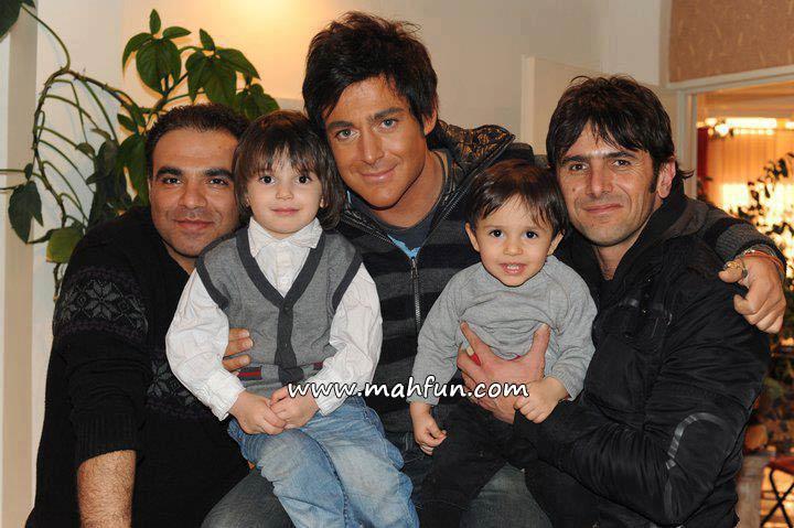 75968521458758253629 محمدرضا گلزار و امین حیایی به همراه فرزندانشان/عکس