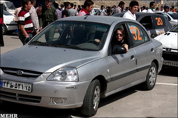 813106 orig تصاویر مسابقه اتومبیل رانی با حضور مرد و زن