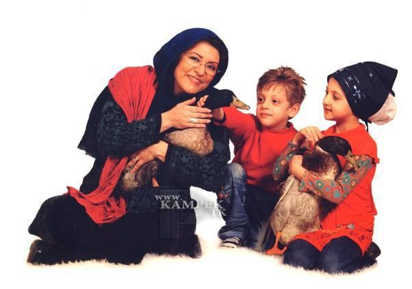 88951422563622569874 عکس های جدید بازیگران زن ایرانی با حیوانات