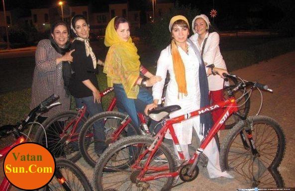 دختر شریفی نیا و دوستانش در حال دوچرخه سواری+عکس