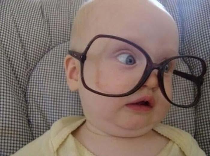 تصاویر بامزه از کوچولوهای ناز عینکی