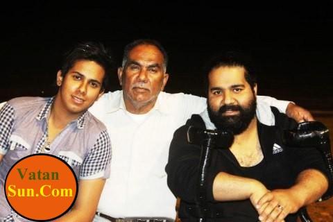 عکس رضا صادقی با پدر و برادرش
