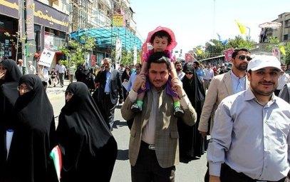 نوه احمدی نژاد در مراسم روز قدس (عکس)