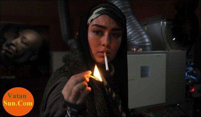 عکس جنجالی سحر قریشی در حال سیگار کشیدن