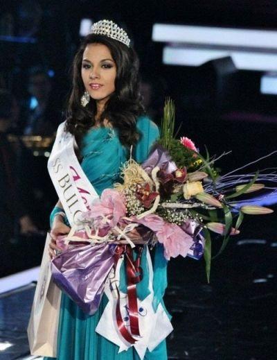 687431546845486534685 زیباترین دختر سال بلغارستان این خانم معلم شد+عکس