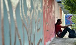 مستند «به دیوار نگاه کن» به کارگردانی علی زادمهر ساخته میشود