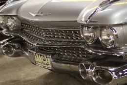 رژه خودروهای قدیمی در محکومیت فیلم موهن