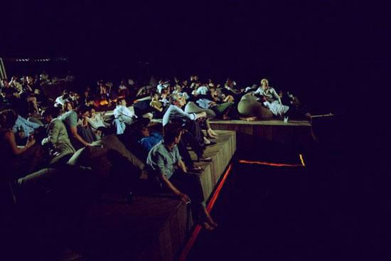 سینمایی رویایی ، شناور روی دریا