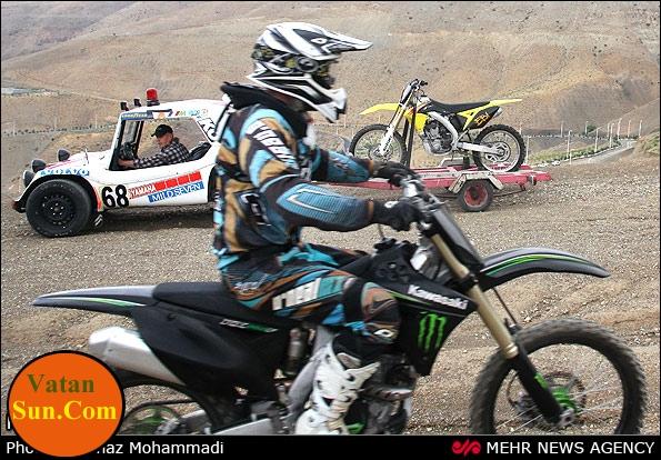عکس های دیدنی نورا نراقی دختر موتور سوار ایرانی