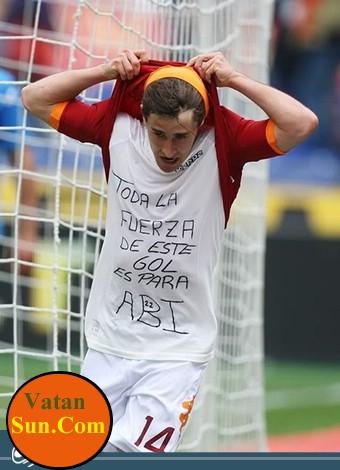 شعارهای جالب روی پیراهن بازیکنان + عکس