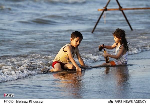 عکس های دختران و پسران در سواحل خزر