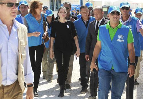 آنجلینا جولی در کمپ آوارگان سوری+تصاویر