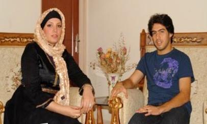 عکس بازیکن معروف استقلال به همراه همسرش در منزل!