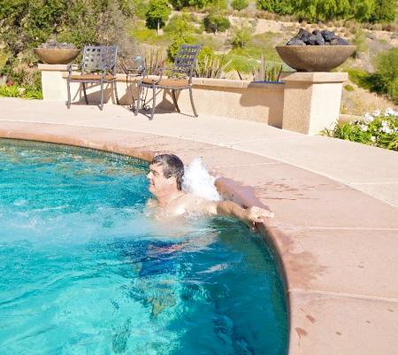 236044 263 عکس دیدنی از استخر شنای مخفی