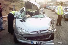 تصادف منجر به ترافیک در اتوبان شد