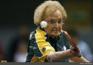 مسن ترین زن تنیسور در جهان + عکس