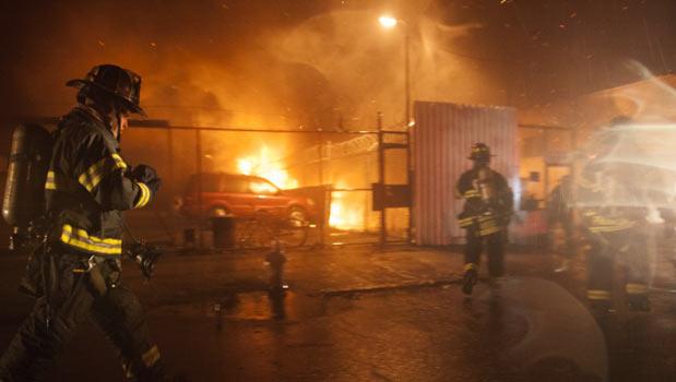 آتش سوزی دهها منزل مسکونی را در نیویورک نابود نمود
