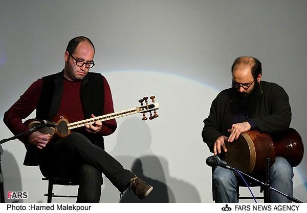 اجرای موسیقی توسط بهرنگ بقایی در مراسم جشن تولد 88 سالگی مرتضی احمدی