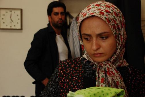 دردسرهای گلاره عباسی در بازار شلوغ تهران