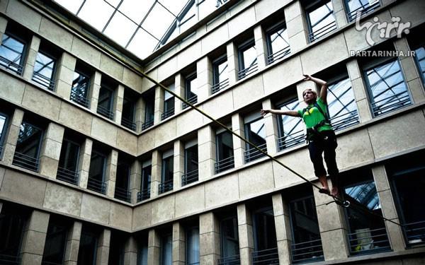 بند بازی دختر جوان در ارتفاع 249 متری! +عکس