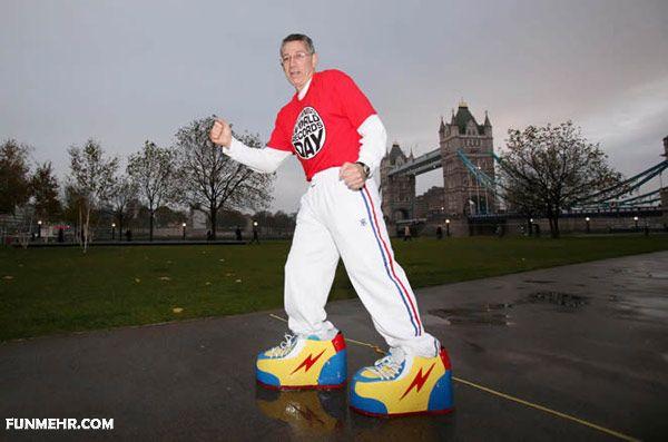 شکستن رکورد پوشیدن سنگینوزن ترین کفش جهان