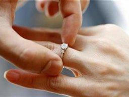 پاسخ به خوانندگان خبر آنلاین: در صورتی که بانک ها پول داشته باشند وام ازدواج ۵ میلیونی می دهند
