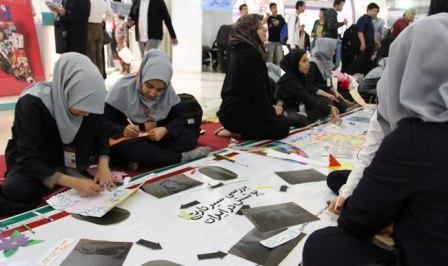 چهارمین روز نمایشگاه مطبوعات و خبرگزاریها در تصاحب دانشآموزان دبستانی