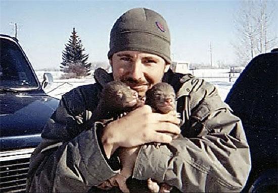 زندگی مسالمت آمیز با خرس غول پیکر! +عکس