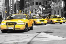 پکن در تسخیر تاکسیهای غیرقانونی