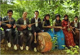 اخبار موسیقی:کنسرت گروه تنبور نوازان لاوچ در کرج۳ آبان ۹۱