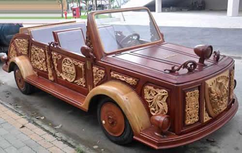 تصاویر اولین اتومبیل چوبی ویتنامی ها!