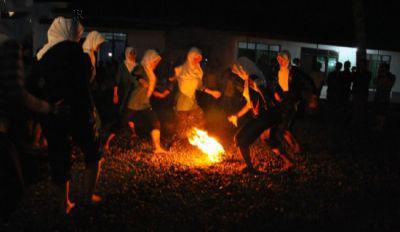فوتبال با توپ آتشین در اندونزی