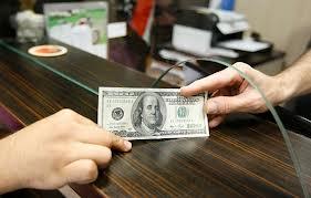 ثبات بازار ارز در گرو کنترل نقدینگی و ذخایر ارزی