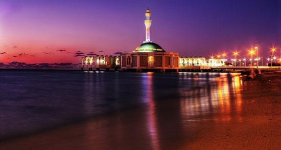 عکس های مسجد شناور در ساحل دریا