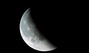 امشب کمی رخ ماه خواهد گرفت