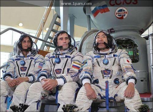 بازگشت سه فضانورد ایستگاه فضایی به زمین!!