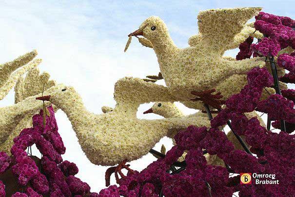 تصاویر مجسمه هایی از جنس گل