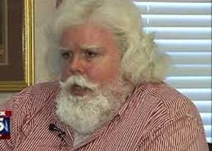 دردسر شباهت یک مرد به بابا نوئل! + عکس