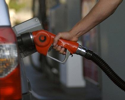 رکورد مصرف بنزین در کشور شکسته شد