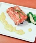خوراک ماهی سالمون با سس
