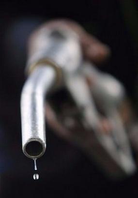 قیمت بنزین قطعاً افزایش می یابد