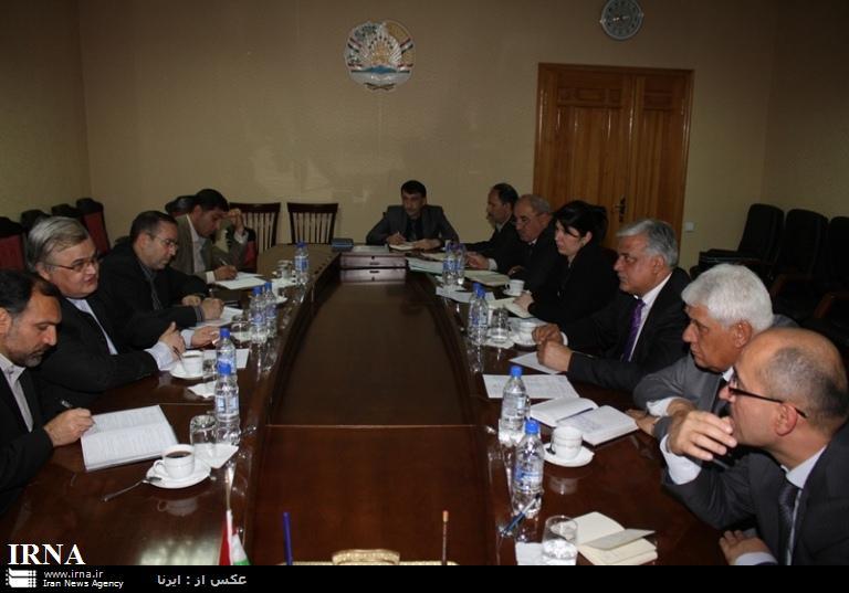 دومقام ایران و تاجیکستان بر تکمیل پروژه تونل استقلال تاکید کردند