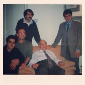 محمدرضا شجریان، کیهان کلهر و همایون شجریان در کنار استاد جلیل شهناز (برای بزگنمایی کلیک کنید)