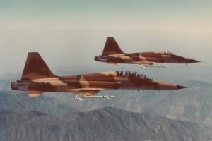 سقوط یک F-5
